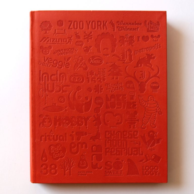 Portada de Logology: The Wonderland of LOGO Design