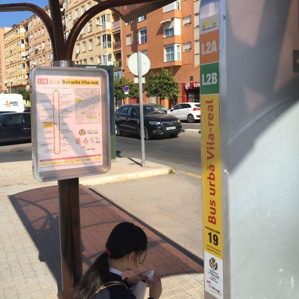 Diseño de los paneles para las paradas del autobús urbano de Vila-real